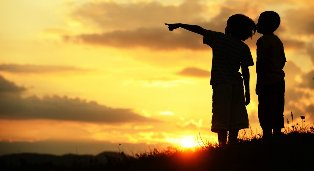 5-Sunlit_Kids_Pointing_1100x600